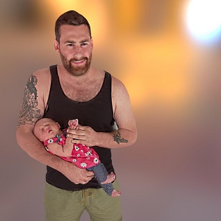 father and newborn 3d selfie